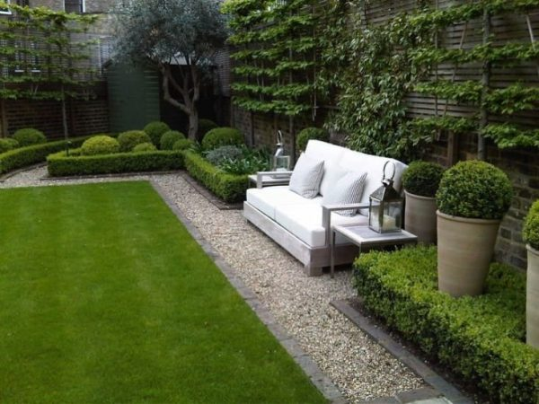 40 amazing design ideas for small backyards - Holzfliesen weiay ...