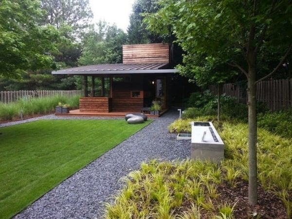 Nick-Harrell-Core-Landscape-Group-Gravel-path-backyard-Gardenista-733x550