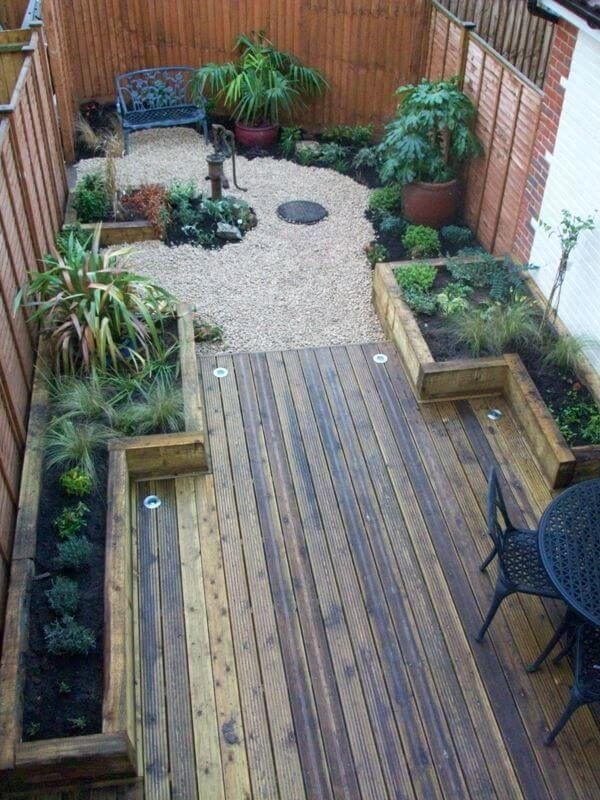 40 amazing design ideas for small backyards for Small backyard layout ideas