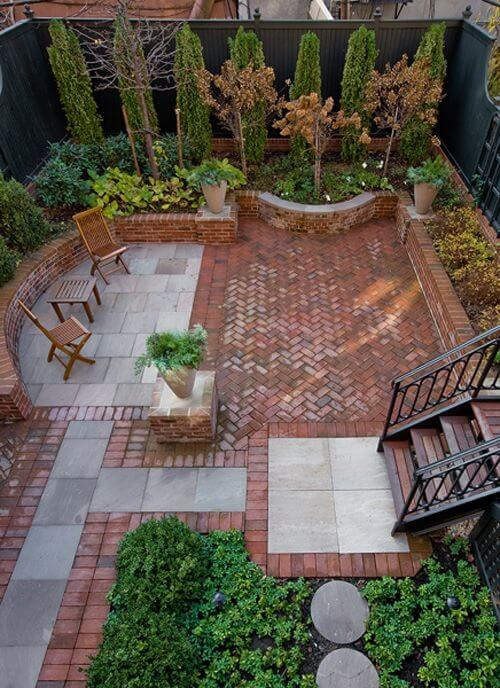 40 amazing design ideas for small backyards for Small yard design inspiration