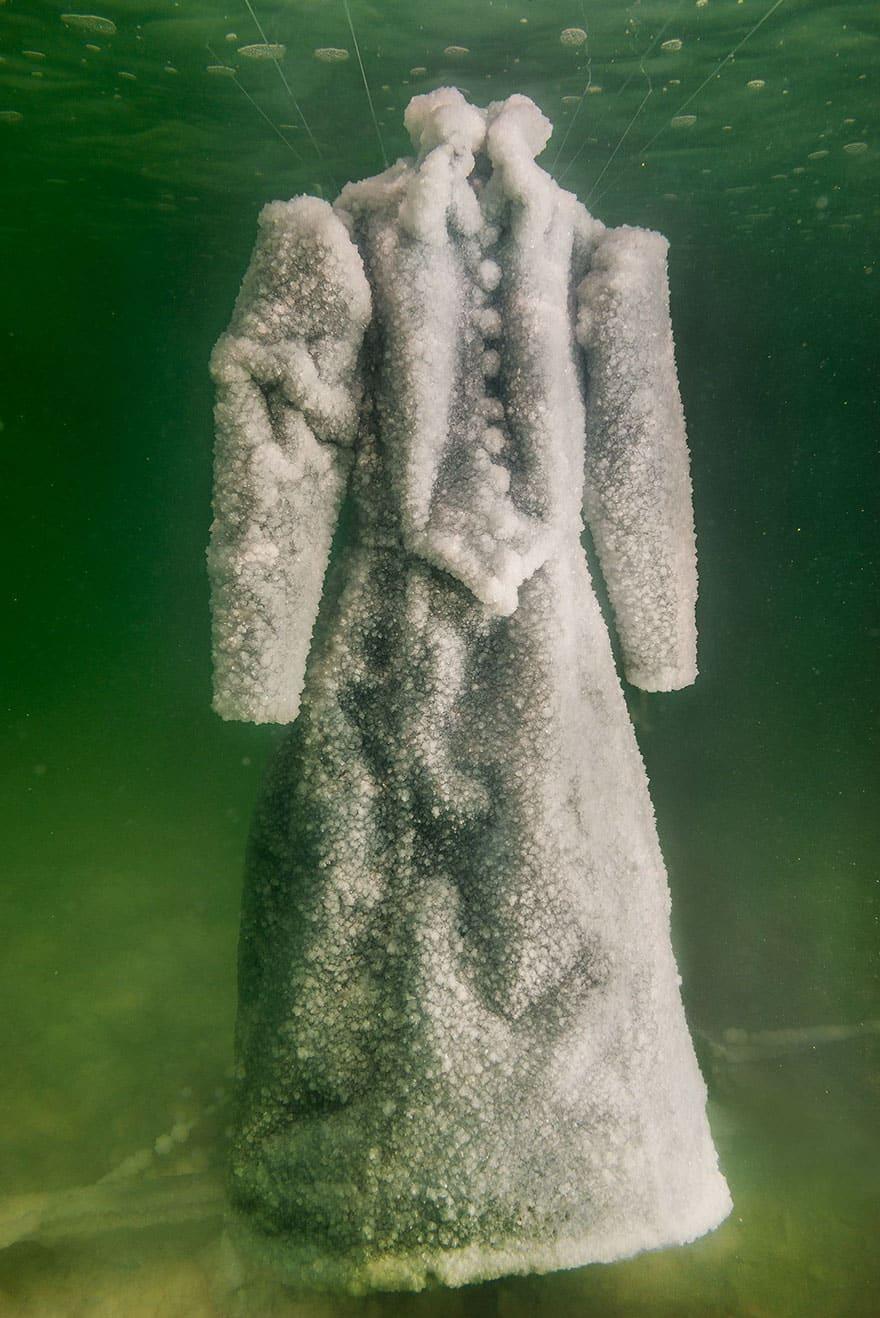 salt-dress-dead-sea-salt-bride-sigalit-landau-5