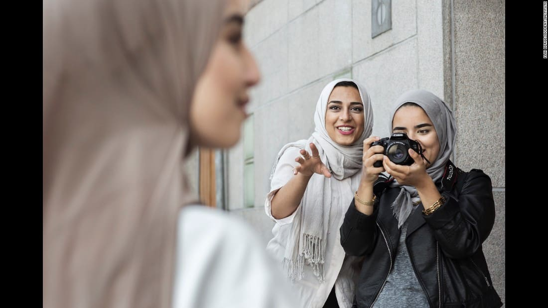 160905171812-03-cnnphotos-hijabistas-restricted-super-169