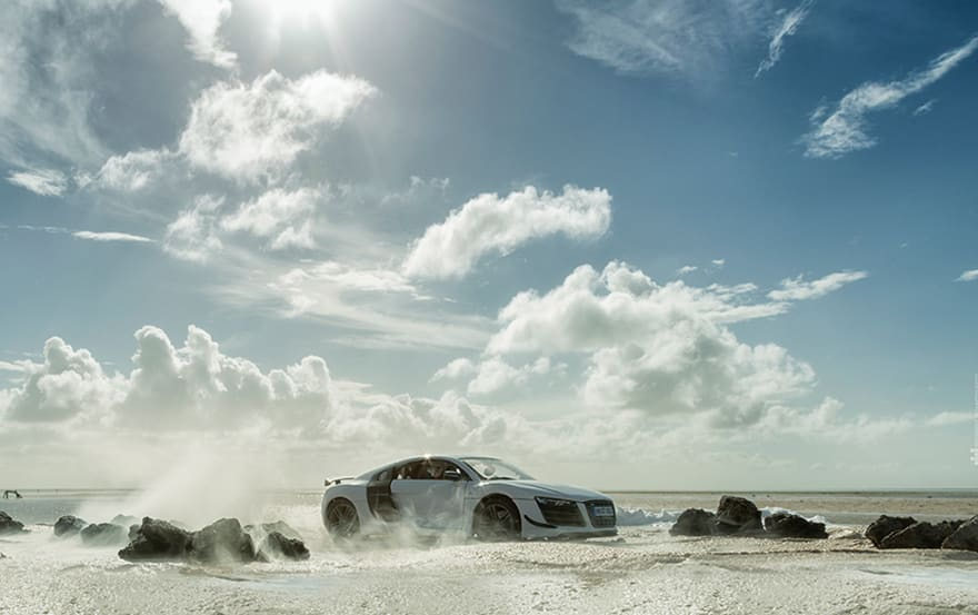 audi-r8-how-photographer-shot-160000-sports-car-using-a-40-toy-car-580368435ebf0__880
