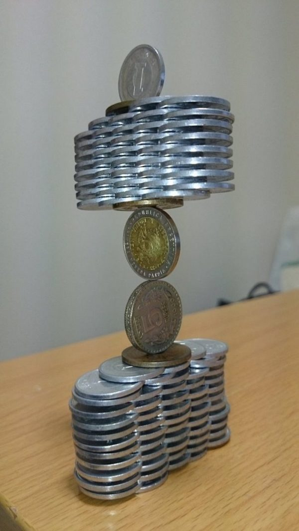 coin-stacking-japan-11