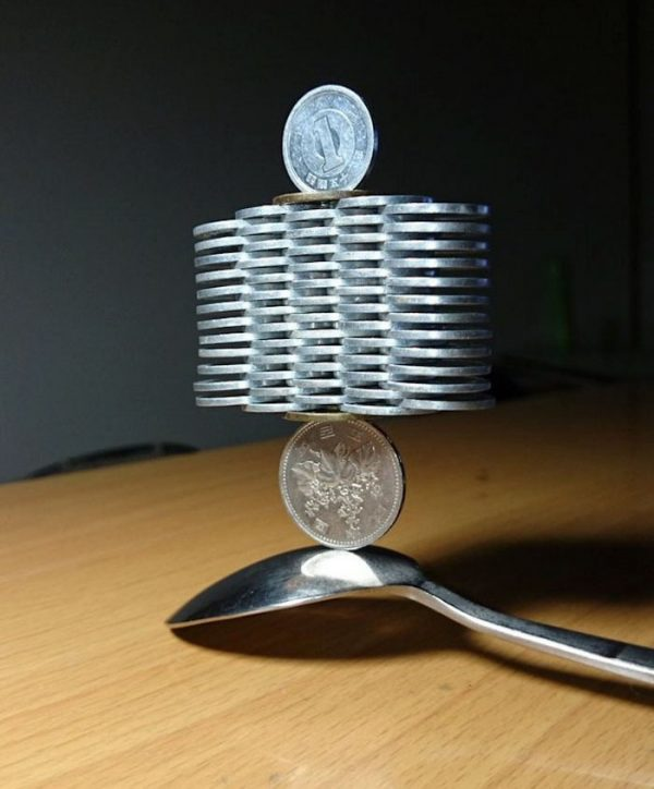 coin-stacking-japan-2